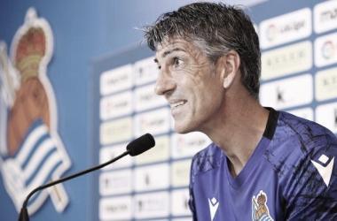 Imanol Alguacil presente en la rueda de prensa. Fuente: Real Sociedad