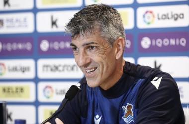 Imanol Alguacil compareció ante los medios en la previa del partido frente al Athletic Club. Vía: Real Sociedad en Twitter.