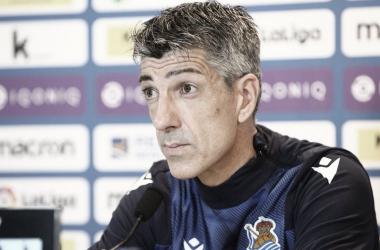 Imanol Alguacil durante la rueda de prensa. / FOTO: Real Sociedad