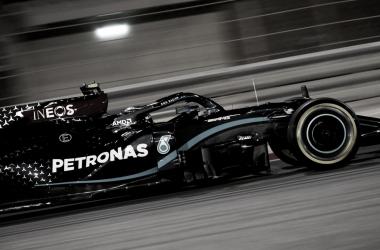 Dobradinha da Mercedes: Bottas faz a pole e Russell larga em segundo no GP de Sakhir
