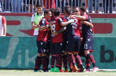 Serie A - Tanto Cagliari, il Milan ci prova, ma nel finale si arrende (2-1)