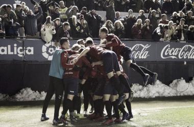 El conjunto rojillo celebra el gol de Ruben García