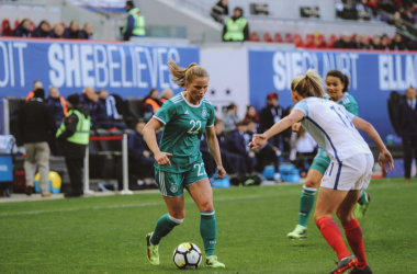 Tabea Kemme of Germany tries to get past England's Toni Duggan | Source: Cindy Lara -VAVEL USA