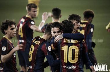 Los jugadores del Barça B celebrando un gol en un partido de la presente temporada | Foto de Noelia Déniz, VAVEL