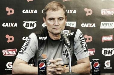Aguirre se surpreende com fato da URT estar invicta contra times da capital mineira