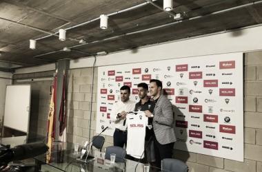César de la Hoz durante su presentación//vía Twitter Albacete Balompié
