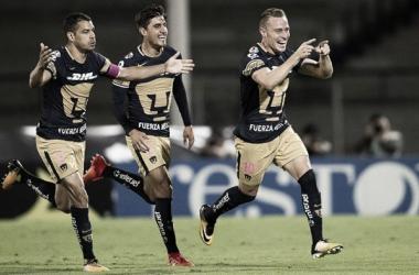 Abraham celebra el primer gol del juego | Foto: Sopitas