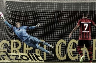 Cueva perde pênalti no último minuto, e São Paulo é derrotado pelo Ituano