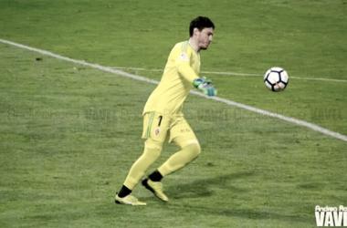 Cristian Álvarez en el partido frente al Huesca / Foto: Andrea Royo)