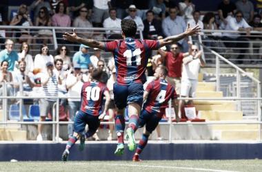 El Atlético Levante celebrando el gol. Fuente: LevanteUD