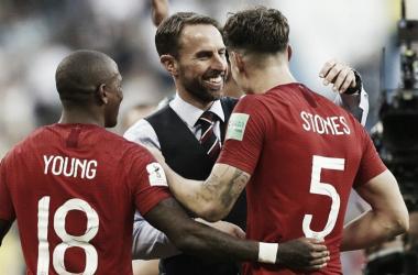Gareth Southgate junto a sus dirigidos. Foto: FIFA.com.