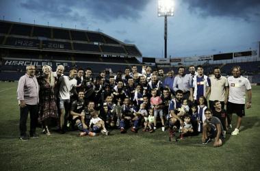 Foto de familia del Hércules CF tras la victoria | Foto: Hércules CF