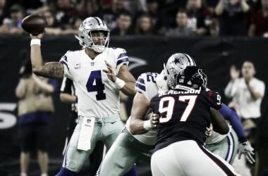 Prescott no ha podido superar las 1,000 yardas por aire en lo que va de la temporada | Foto: NFL