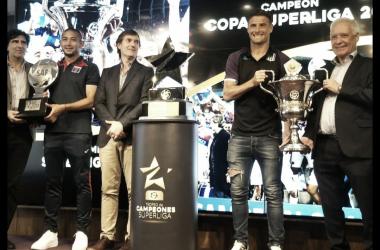 La Copa Superliga para Tigre; la Superliga para Racing. ¿Y la copa de estrella del medio? (Foto SAF).