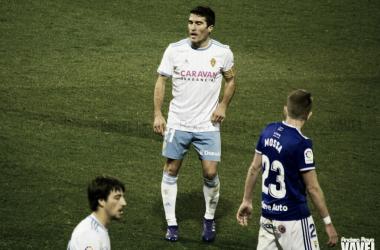 Alberto Zapater en el anterior partido disputado en la Romareda frente al Real Oviedo / Foto: Andrea Royo