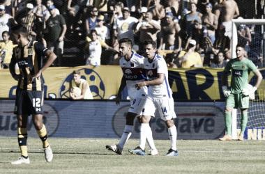 Fede González lleva ocho goles en la Superliga. A su lado, la figura, Montillo, quien lleva siete asistencias (Foto: Olé).