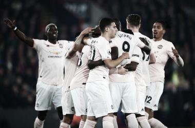 Mesmo com diversos desfalques, United bate Palace em Londres com dois de Lukaku