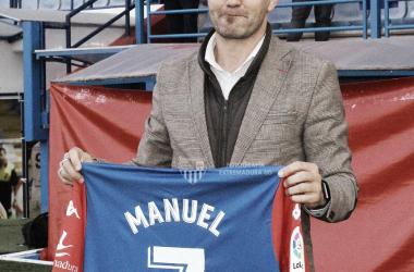 Manuel en su presentación // Imagen: Twitter (@EXT_UD)
