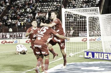 """Los jugadores del """"Ciruja"""" festejando el tercer gol (Foto: Prensa San Martín)"""