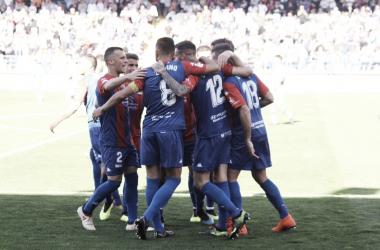 Los jugadores del Extremadura celebrando un gol // Imagen: Twitter (@EXT_UD)