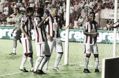 Náutico vence com tranquilidade e segue para a semifinal do estadual (Foto: Lé Lemos)