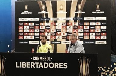 """Abel celebra volta à liderança do Grupo D da Libertadores: """"Resultado que encorpa"""""""