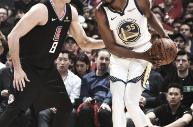 Kevin Durant se luce y pone 2-1 la serie. Foto: NBA