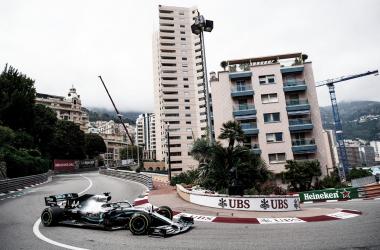 Lewis Hamilton marcou a pole position de número 85 da carreira em Mônaco (Reprodução Twitter Mercedes AMG F1)