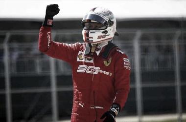 Vettel festejando el uno | Foto: Fórmula 1