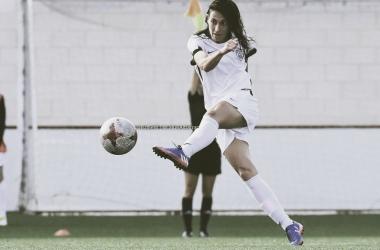 Saray en la disputa de un partido con el Madrid CFF.   Foto: twitter @Saraygar84
