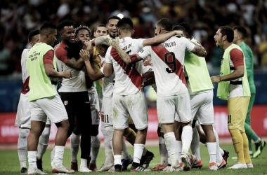 """Comandado por Guerrero, trio """"brasileiro"""" leva seleção peruana à terceira semifinal da década"""