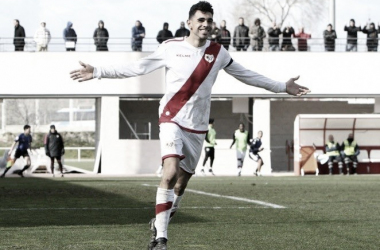 Ontiveros celebrando un gol con el Rayo B. | Foto: twitter @JONTROB777