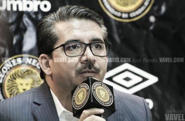 """Alberto Castellanos: """"Le ofrecimos a Bravo jugar, dependerá de él"""""""
