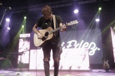 Dani Fernández durante el concierto de los 40 Summer Live en San Fernando // Image: Instagram danisf06