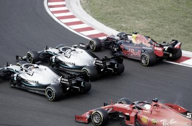 Max Verstappen foi um dos responsáveis por dar emoção a uma temporada que parecia perdida (Foto: Reprodução formula1.com)