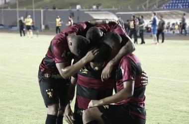 Sport perde chances, mas derrota Londrina e chega ao G-4