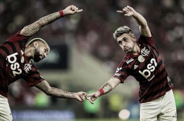 Flamengo aproveita duas expulsões do Inter e vence com gols do trio ABG