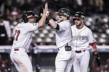 México vence a República Dominicana en el inicio del Premier 12