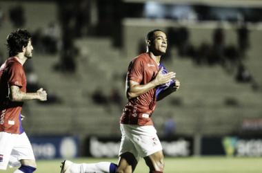 Jogo corrido e empate com seis gols: o último jogo da temporada de Paraná e Botafogo-SP