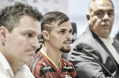 Oficialmente apresentado, Michael revela que 'pesou a grandeza do clube' na escolha pelo Flamengo