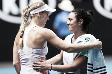 Serena Williams quedó eliminada y Wozniacki se despidió del circuito