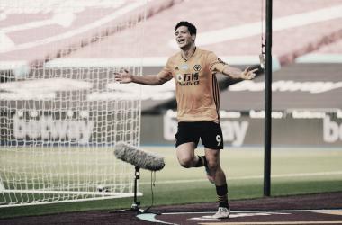 Jiménez quebra marca de Chicharito, Wolves vence fora de casa e complica West Ham