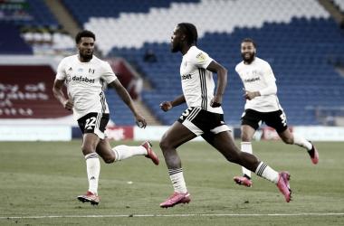 Fulham vence Cardiff com autoridade e fica perto da final dos playoffs