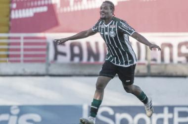 Sabino ajuda o Coritiba na conquista dos primeiros pontos no Brasileirão