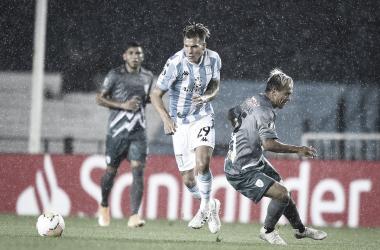 Com dificuldades, Racing supera Estudiantes; Nacional vence bem e toma liderança do Grupo F