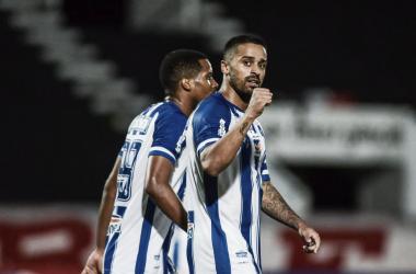 Decisivo, Dellatorre faz dois gols, e CSA vence Santa Cruz na Copa do Nordeste