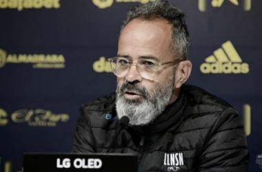 Álvaro Cervera en rueda de prensa // Cádiz CF