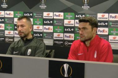 Diego Martínez (izq.) y Jorge Molina (dcha.) en rueda de prensa.