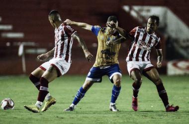 Jean Carlos comanda vitória do Náutico diante do CSA na Série B