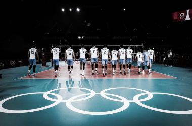 03/08/2021 Equipo argentino antes de enfrentar a Italia. JJOO Tokio 2020 (FOTO:@Voley_FeVA)